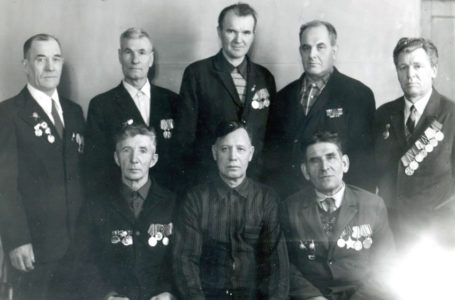Орден за бой, медаль за труд