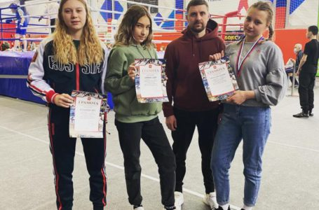 Спортсменки из Трёхгорного завоевали три путёвки на  первенство УрФо по боксу
