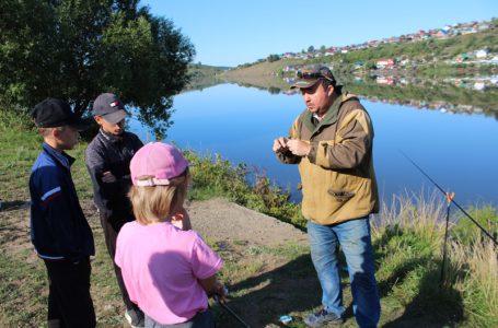 Воспитанники Усть-Катавского Центра помощи детям побывали на мастер-классе по рыбалке